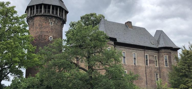 Flachsmarkt 2019 an der Burg Linn in Krefeld